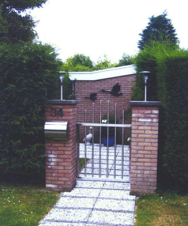 Eingangstor aus Edelstahl